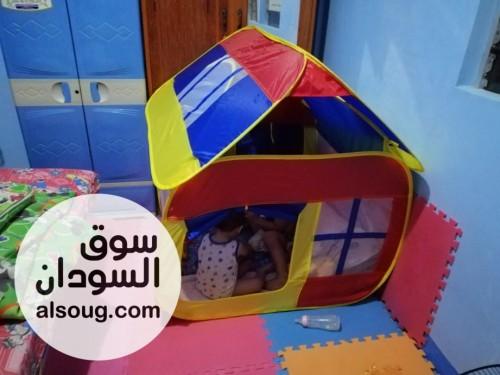 خيمة شكل منزل للأطفال الطول ١١٠سم العرض ١٠٥سم الارتفاع١٢٠سم السعر:٥٤٠٠ - صورة رقم