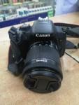 كاميرا كانون D700 نضيفه مع كامل الملحقات
