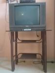 تلفزيون ورسيفر وطاوله مستخدمات المكان الازهري مربع 2