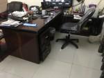 مكتب كامل + كرسي + مكتبه كبيره