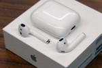 سماعااات airpods من شركة apple