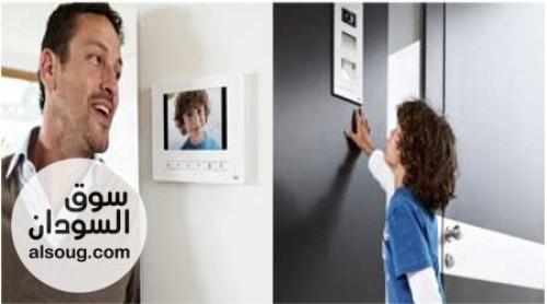 Video intercom-أنظمة انتركم فيديو-بيتيح ليك تتكلم مع الزول الفي الباب وتشوفو وتفتح ليهو الباب-مكون من وحده خارجه فيها كاميرا-وحدة داخليه فيها شاشه-قفل كهربائي للباب-*السعر 45* - صورة رقم