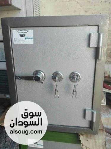 خزن حدید مصفحه  - صورة رقم