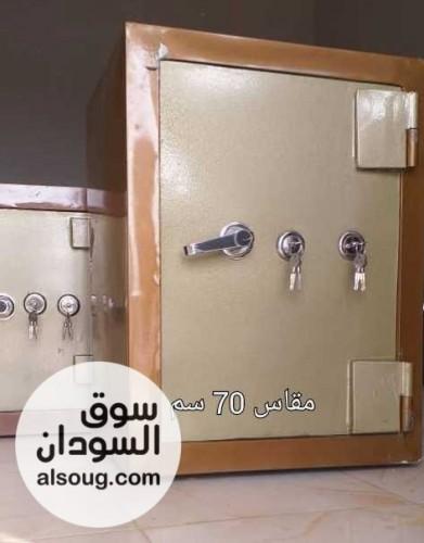 خزن حديد    - صورة رقم