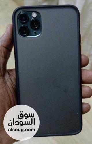 أيفون 11 برو ماكس زيتوني اللون حجم 64 GB بحالة شبه جديد مع الكرتونه و - صورة رقم